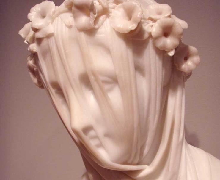 museum_veil_face