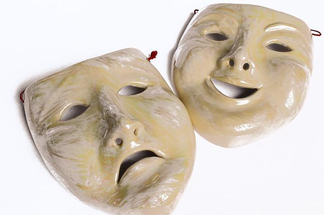 masks-701837_640